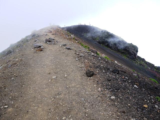 AB18P山頂へ.jpg