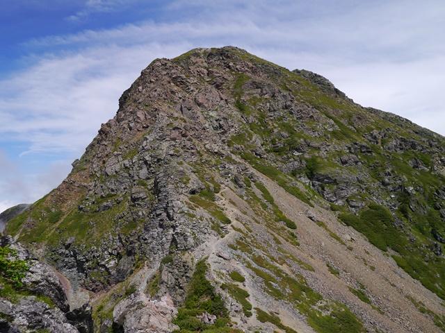 山頂への岩稜の上り.jpg