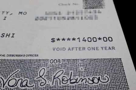 US$1,400-Check